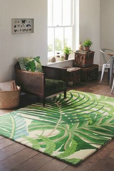 Sandersons Manila rug is a gorgeous 100 wool rug featuring green jungle leaves. Tropical Rugs, Tropical Bedrooms, Tropical Decor, Tropical Houses, Tropical Nursery, Green House Design, Childrens Rugs, Teal Rug, Floral Rug