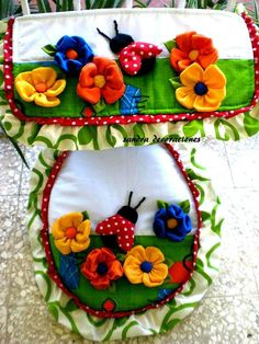 Pin on toilet oortreksels Sewing Crafts, Sewing Projects, Projects To Try, Bathroom Organisation, Silk Ribbon Embroidery, Bathroom Art, Soft Furnishings, Decoration, Diy And Crafts