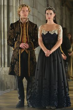 "#Reign 2x07 ""The Prince of the Blood"" - King Francis and Queen Mary"