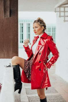 Vinyl Raincoat, Pvc Raincoat, Leather Trench Coat, Leather Jacket, Sexy Outfits, Vynil, Mode Mantel, Vinyl Clothing, Maid Outfit