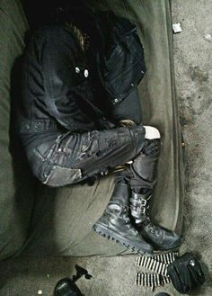 Image about bucky barnes in aes: Blood Revolution by ø alta et secreta silvarum ø Story Inspiration, Writing Inspiration, Character Inspiration, Estilo Punk Rock, Apocalypse Aesthetic, Jace Lightwood, Lone Wanderer, Look Man, Sirius Black