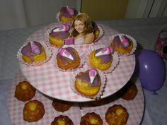 Mini cup cackes  con microfono in pasta di zucchero Violetta