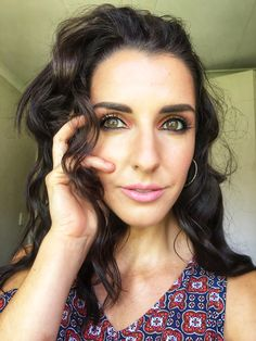 Wavy hair, don't care! I paired it with a natural pink makeup look. Beach Curls, Pink Makeup, Wavy Hair, Makeup Looks, Lashes, Make Up, Natural, Fashion, Moda