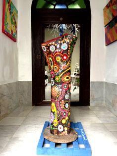 REINA DEL CARNAVAL/QUEEN OF THE CARNIVAL. Brillante, llamativa, de colores y…