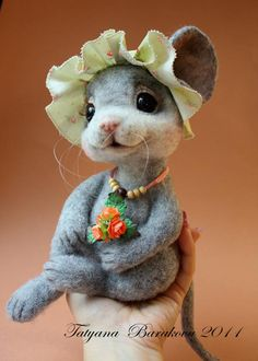 "tatiana barakova -- mouse ""Michelle"" (DOB: 8/16/11) -- Sold ebay.co.uk/itm 200642650070 8/24/11, USD approx. $470"