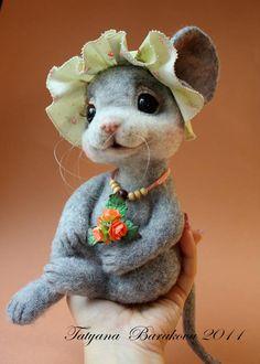 "tatiana barakova  -- mouse ""Michelle"" (DOB: 8/16/11) -- Sold ebay.co.uk/itm 200642650070 8/24/11, USD approx. $470"