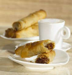 Recipe: Crispy Fig and Almond Rolls Ingredients 1 cup finely...
