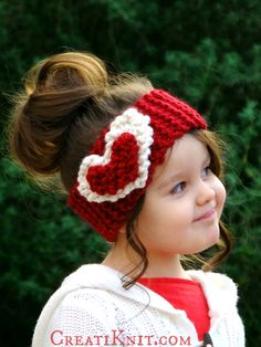 FREE Knitting pattern!  The Heart Head Warmer.  Warm, cute & cozy, this is an easy & quick knitting project!