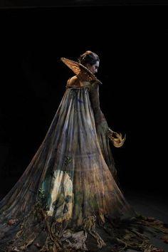 Fantasy Photo Costume by Katie Garden, Wimbledon Costume Design student. Art Goth, Gothic Art, Warrior Angel, Mode Costume, Theatre Costumes, Fantasy Costumes, Dark Fantasy Art, Larp, Costume Design