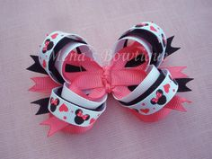 Minnie Mouse hearts valentines bow by MenasBowtique on Etsy