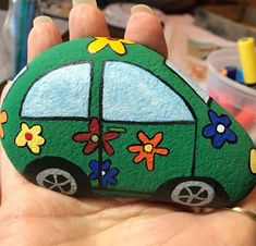 Painting Rocks Kids Car 35 Ideas About Albums Along with a very rich album option, all requests are meticulously evalua. Rock Painting Patterns, Rock Painting Ideas Easy, Rock Painting Designs, Stone Art Painting, Pebble Painting, Pebble Art, Painting Canvas, Stone Crafts, Rock Crafts
