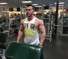 Competition gives me energy. It keeps me focused. #riseup #risetraining #beastmode #bodybuilding #aesthetics #arms #life #igers #instapic #instagood #instalike #instadaily #picoftheday #maryland #modeling #muscle #npc #GymLife #Gym #gnc #selfie #fitfam #fitspo #fitness #fitnessmodel #fitnessaddict #fitnessjourney #fitnessmotivation #workhard #workout by fitnessmurph