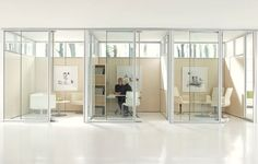 Let There Be Space - Teknion Altos Modular Walls - iSpace Environments Cubicle Design, Interior Architecture, Interior Design, Studio Interior, Glass Office, Modular Walls, Commercial Interiors, Commercial Design, Office Interiors