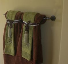 Decorative towels in the bathroom -