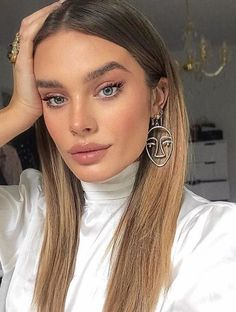 The most beautiful hairstyles for balayage hair from blonde to dark brown. The most beautiful hairstyles for balayage hair from blonde to dark brown. Mexican With Blonde Hair, Brown Blonde Hair, Blonde Wig, Make Up Looks, Cejas Kendall Jenner, Lace Hair, Balayage Hair, Bronde Hair, Brown Balayage