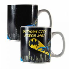 Discover the original Batman Heat Change Mug Batman at a special price: buy it now on MerchandisingPlaza in the comfort of your own home! Batman Merchandise, Gotham City, Own Home, 5 D, It Cast, Mugs, Cool Stuff, Gifts, Bat Signal