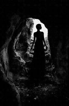 &$* Talvez se eu pudesse nunca mais existir, Ao olhar para trás e deixar jogados estes meus pedaços, A saudade não poderia mais zombar de mim, Eu simplesmente não mais existiria... Texto: Christine Aldo -  Do poema: Eu Acabo de Matar um Amor  http://www.almanirvana.blogspot.com.br/