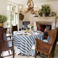 Bedford Breakfast Room : Ralph Lauren's Chic Homes and Office : Architectural Digest