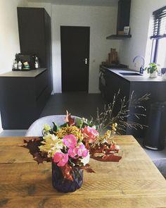 Flowers | modern | interior | kitchen