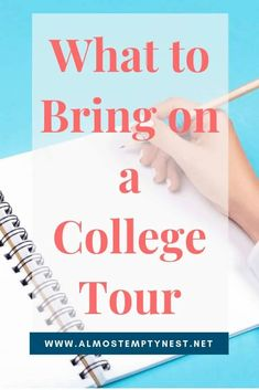 What To Bring On A College Tour College Mom, Online College, Senior Year Of High School, High School Seniors, Middle School, College Search, College Planning, Scholarships For College, Student Life