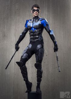 An amazing Nightwing cosplay from the New York Comic Con