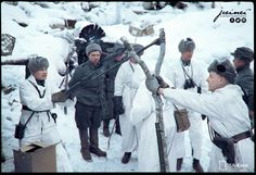 """ostfeldzug: """" Finnish soldiers use a slingshot to launch grenades at Soviet positions during the Winter War. 1940 """" This is hilarious. But, hey, Finland won that war. Angry Birds, Night Shadow, History Online, Red Army, Modern History, Military History, World War Two, Granada, Historical Photos"""