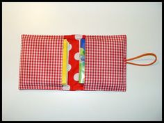 cover for little books/pixis Sewing For Kids, Baby Sewing, Free Sewing, Diy Cape, Sewing Tutorials, Sewing Projects, Pencil Case Tutorial, Fabric Origami, Sewing School