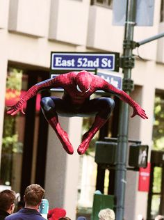 The Amazing Spider-Man 2 Set Pics: The clash between Rhino and Spider-Man Design Your Own Home, Dream Home Design, Unique House Plans, Spider Man 2, Andrew Garfield, 2 Movie, Amazing Spiderman, Geek Out, Marvel Movies