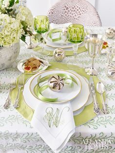 I love adding unexpected colors to a table especially for spring! This lime green really pops and one of my favorite elements are the monogrammed napkins! This may be my favorite table I've shared with you. Why Christmas, Nordic Christmas, Modern Christmas, Christmas Treats, Beautiful Table Settings, Atlanta Homes, Christmas Tablescapes, Christmas Candles, Deco Table
