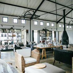 B L U E B E R R Y . C A F E | ANATOMY DESIGN - this is my dream shop space!