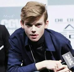 apri questa storia se adori (come me) Thomas Brodie-Sangster puoi tr… # Fanfiction # amreading # books # wattpad Newt Maze Runner, Maze Runner Thomas, Maze Runner Series, Dylan Thomas, Dylan O'brien, Thomas Brodie Sangster, Teen Wolf, Hunger Games, To My Future Husband