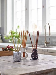 Experience a beautifully fragranced room anytime with our innovative, flameless fragrance sticks and cute holders. www.partylite.com.au