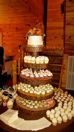 {Pointers for a Cupcake Wedding Cake} || The Pink Bride Blog || Photo courtesy of Gigi's Cupcakes Knoxville