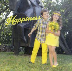 Disfruta de ésta propuesta de #Cortejo en colores vibrantes como el amarillo y el azul marino. Conoce más ingresando a: http://www.shopepk.com.co/blog/cortejo-primavera-verano-2015/