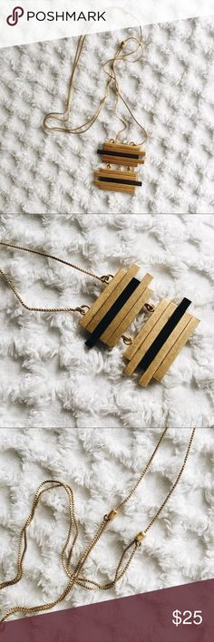 Madewell Gold + Black Bar Necklace Like-new necklace with adjustable chain. Madewell Jewelry Necklaces
