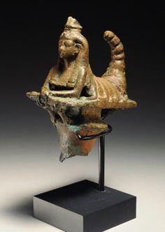 Предметы древнего искусства. – 3 541 фотография Ancient Egyptian Art, Egyptian Goddess, Ancient Goddesses, Gods And Goddesses, Pharaoh Hound, Ancient Artifacts, Archaeology, Bronze, History