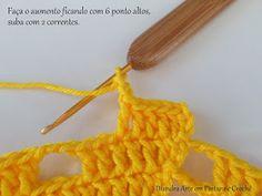 Diandra Arte em Crochê: PAP- TRILHO DE MESA RAIO DE SOL Crochet Table Runner, Lana, Create Your Own, Crochet Necklace, Diy And Crafts, Yellow Centerpieces, Hexagon Crochet, Tricot, Symbols