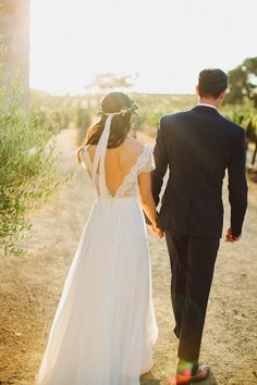 Loved everything about this wedding.  Wedding Inspiration | Sunstone Winery + Villa - dustjacket attic