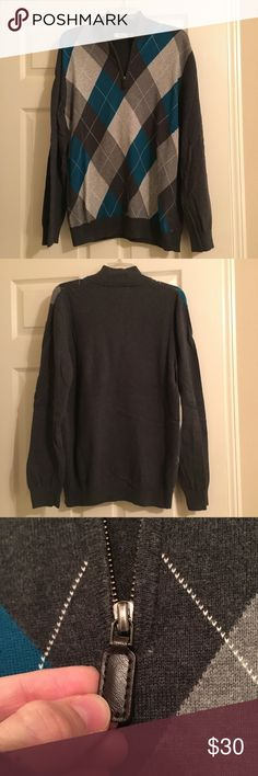 ⚓️SALE⚓️ Old Navy Men's Argyle quarter zip The colors are dark gray, light gray, gray, blue and white. It has been worn a couple times and is in good used condition. Old Navy Sweaters Zip Up