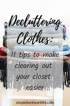 Decluttering clothes: 11 tips, tricks & hacks to make simplifying your wardrobe easier. These are my go-to tips & tricks that make decluttering your clothes and simplifying your wardrobe easier, faster & more effective. If you want to clear the clutter from your closet, check out these 11 different decluttering strategies to make the whole process easier! #declutter #declutter #declutteringclothes #declutteryourwardrobe #declutteryourclothes #simplifyyourwardrobe #capsulewardrobe