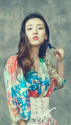 Beautiful Chinese Girl, Beautiful Asian Women, Beautiful People, Prettiest Actresses, Beautiful Actresses, Korean Beauty Girls, Asian Beauty, Best Boyfriend, Amazing Boyfriend