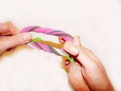 Haargummis aus alten Strumpfhosen, schön mit Kindern zu machen