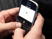 New chip can turn your cell phone into a projector