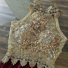 Blouses for women – Lady Dress Designs Sari Design, Blouse Desings, Fashion Details, Fashion Design, Costume, Saree Blouse Designs, Indian Outfits, Indian Fashion, Dress To Impress