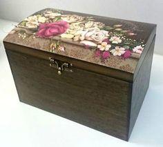 Baú Vintage Decorado Flores