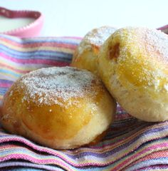 Beignets fourrés au four Desserts With Biscuits, No Cook Desserts, Sweet Desserts, Sweet Recipes, Delicious Desserts, Dessert Recipes, Yummy Food, Cooking Chef, Cooking Recipes