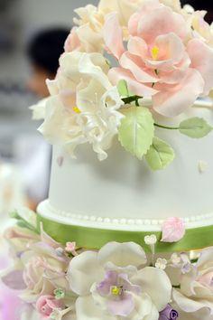 Le Cordon Bleu Le Cordon Bleu, London Cake, Gum Paste Flowers, Cake Boss, Pastry Chef, Fancy Cakes, Beautiful Cakes, Cake Decorating, Cupcakes