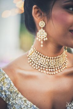 Stunning kundan necklace with dangling pearls in choker design |WedMeGood| Tuhina and Filip|#wedmegood #indianweddings #jewellery #kundan #pearls #gold #diamonds