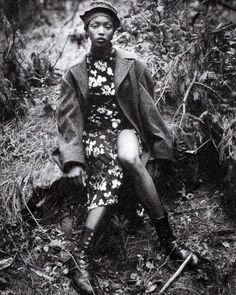 """I just love these shoots by Steven Meisel, this editorial, titled """"Grunge & Glory"""" was originally published in US Vogue December with Kristen McMenamy, Naomi Campbell, and Nadja Auermann&nb Steven Meisel, Naomi Campbell, Quirky Fashion, Grunge Fashion, Vintage Fashion, High Fashion, Vogue Editorial, Editorial Fashion, Punk Rock Grunge"""