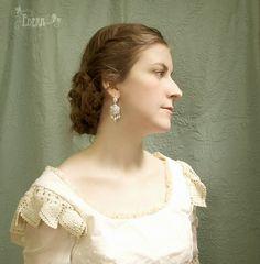 Wedding Chandelier Earrings via Etsy. So pretty..